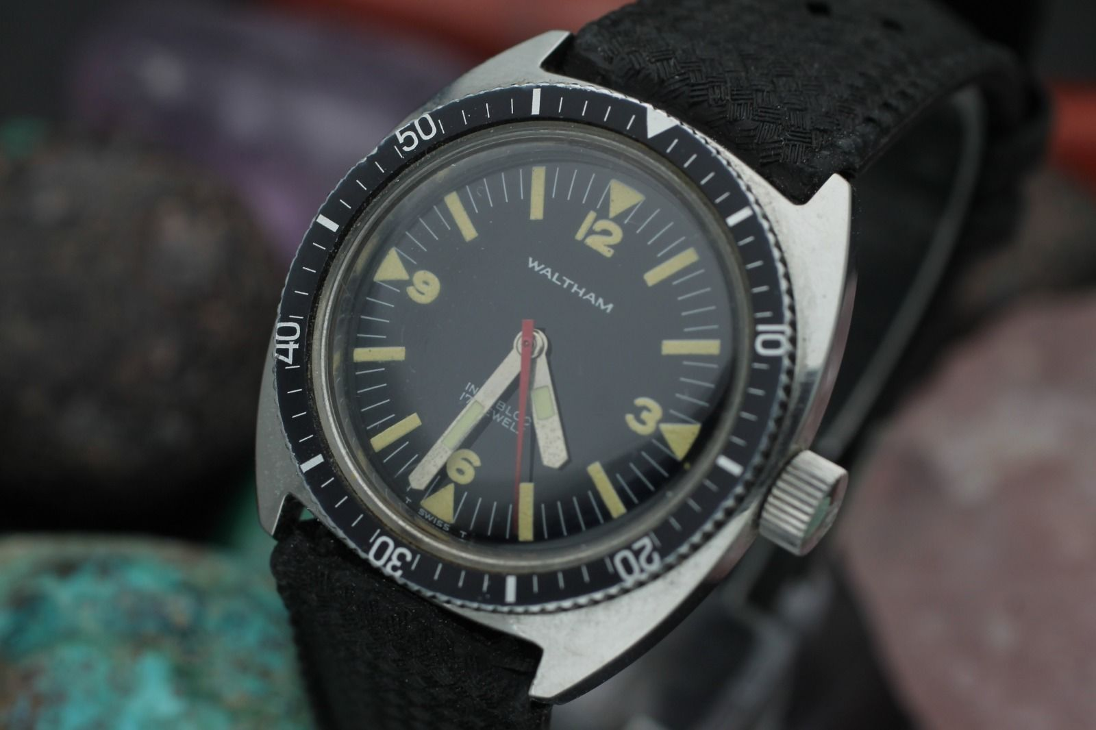 Vintage waltham bathyscaphe 17 jewel stainless steel tritium dial diver 39 s watch ebay for Tritium dive watches