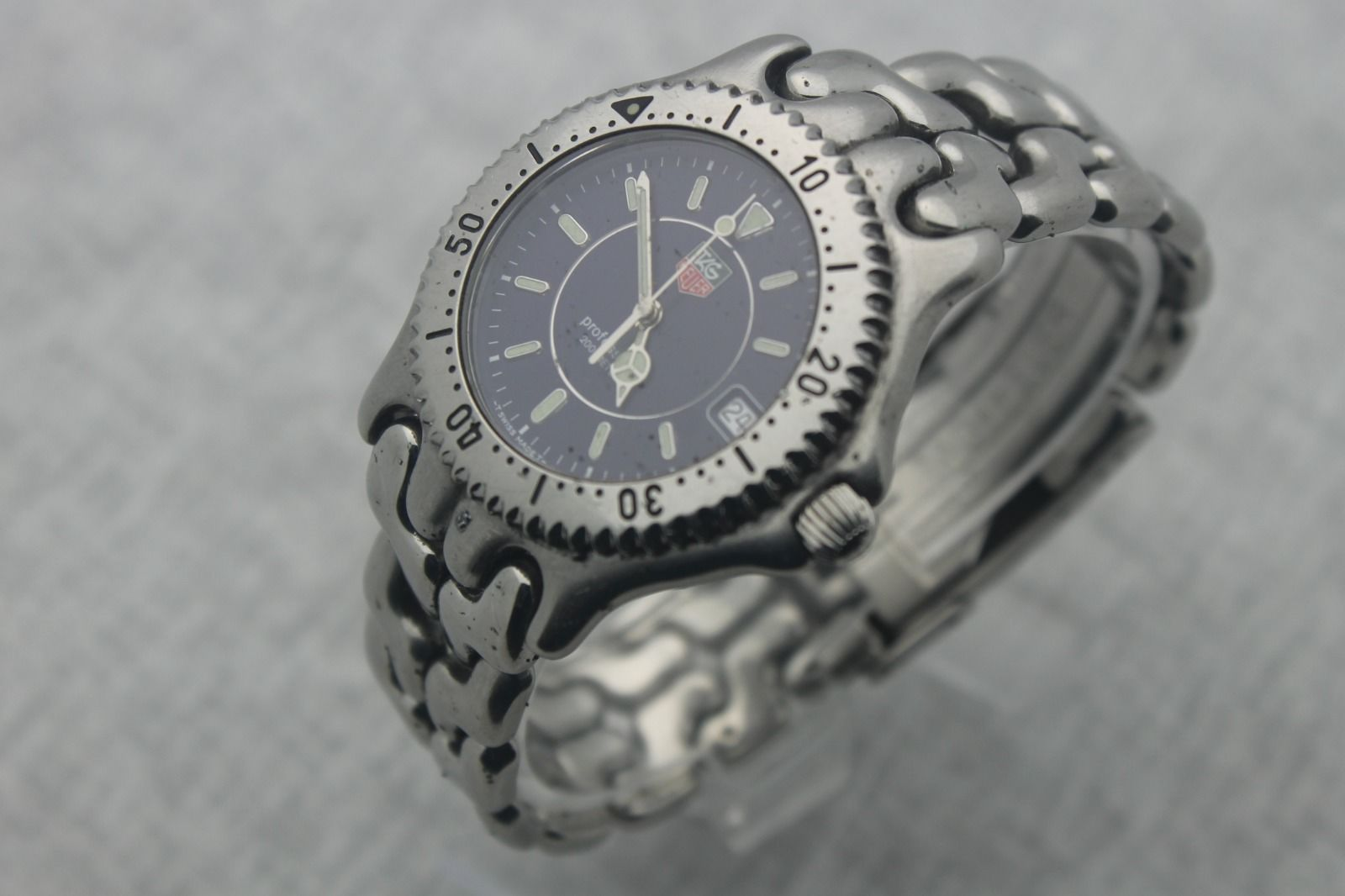 Tag heuer professional sel quartz ref wg111a stainless steel 200m diver 39 s watch ebay for Tag heuer divers watch